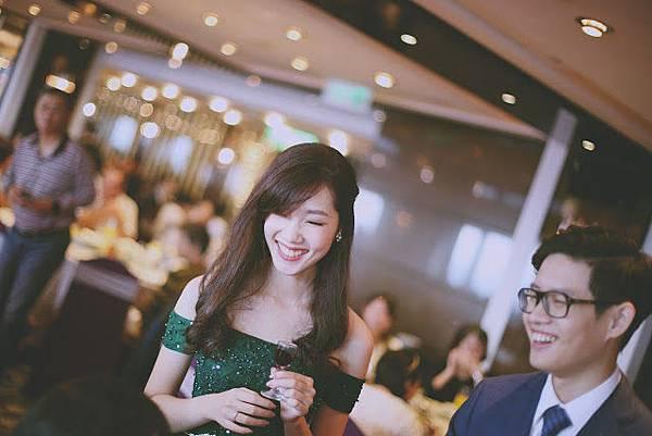 台北新秘推薦 新娘宴客造型 新娘化妝髮型 韓風新娘造型 海外婚禮婚紗新秘 個人彩妝教學 婚攝英奇 Lechicbridal