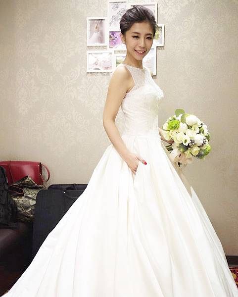 台北新秘推薦 新娘宴客造型 新娘化妝髮型 韓風新娘造型 新娘盤髮 海外婚禮婚紗新秘 個人彩妝教學