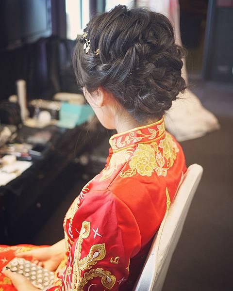 台北新秘推薦 新娘宴客造型 新娘化妝髮型 韓風新娘造型 新娘盤髮 海外婚禮婚紗新秘 個人彩妝教學 淡水福容飯店 Alisha&Lace 龍鳳褂造型