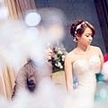 台北新秘推薦 新娘宴客造型 新娘化妝髮型  新娘盤髮 美式婚禮造型 短髮新娘盤髮 海外婚禮婚紗新秘 個人彩妝教學