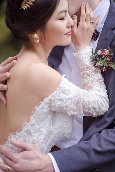 台北新秘推薦 新娘化妝髮型 風格婚紗 海外婚禮婚紗新秘 個人彩妝教學 weddingstyle bridalstylist bridalhair bridalmakeup sigridchienphotography