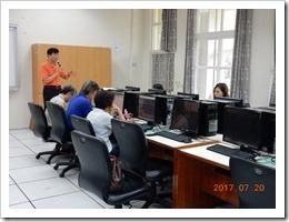 照片3.數位果子公司程經理對於系統操作介紹
