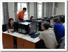 圖4.桃三區老師努力學習系統操作及運用。