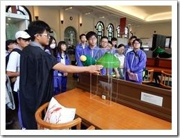圖2-參加台灣大學校史館導覽