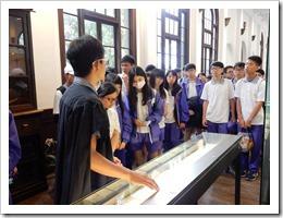 圖3.參加台灣大學校史館導覽及說明