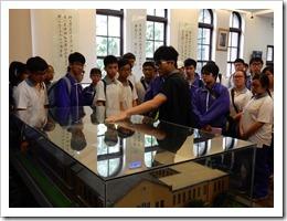 圖5.參加台灣大學校史館導覽及說明