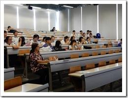 圖13.台灣大學教室學生學習