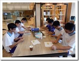 學員們用自己設計的餅模做出最與眾不同的健康餅乾-1