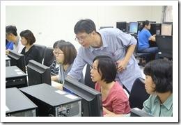 施主任對參加老師技術指導