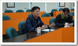 崔宇華博士給予江老師教學指導