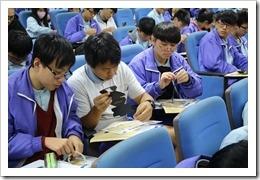 同學也自己動手做光譜儀