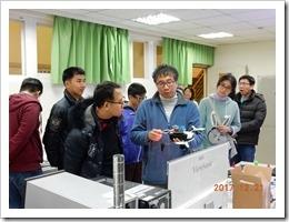 劉主任介紹飛行器的運用並與本校老師交換工作經驗
