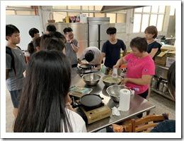 仙草蛋捲製作過程說明