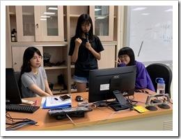 同學報告簡報製作成果並分享-陳同學
