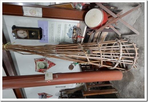 早期客家先民置放溪流護岸之竹製品