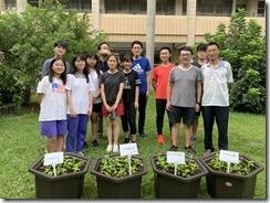 栽種仙草二號同學及師長合影