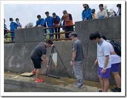 01-平鎮高中及本校同學共同實施夢湖水質採樣
