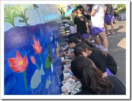 同學實施壁畫創作