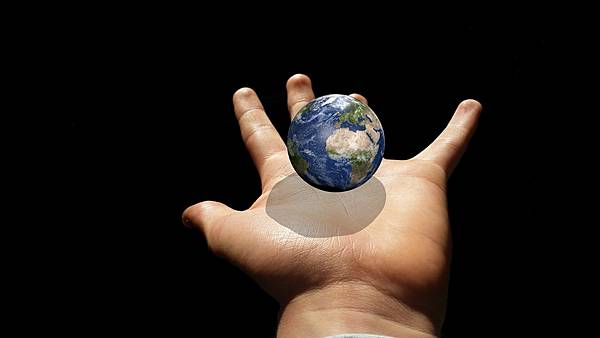 globe-907709_1280.jpg