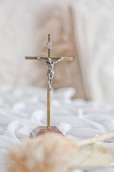 crucifix-792117_960_720.jpg