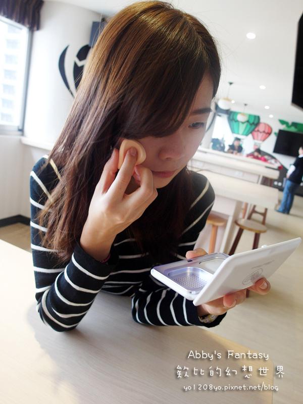 Miss Hana 花娜小姐 傳明酸礦物控油蜜粉餅Abby's Fantasy 欸比的幻想世界 (14).jpg