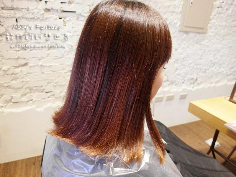 打造夏日清新髮色◆推薦新竹市區優質髮廊◆挑染低調華麗的亞麻色◆愛用AVENDA美髮產品 Abby's Fantasy 欸比的幻想世界 (15).jpg