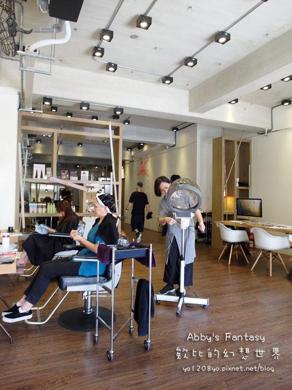 打造夏日清新髮色◆推薦新竹市區優質髮廊◆挑染低調華麗的亞麻色◆愛用AVENDA美髮產品 Abby's Fantasy 欸比的幻想世界 (22).jpg
