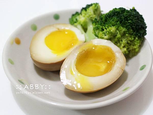 第一次做溏心蛋(半熟蛋)就上手!零失誤DIY好物:Arnest白煮蛋調理器%26;表情海苔按壓器 (6).jpg