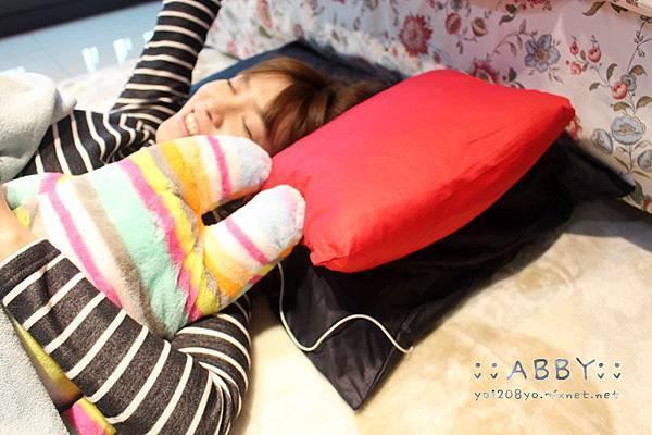 給我滿滿溫暖安全感的尤加利舒眠枕頭套,推台灣製造 好睡好清潔好收納 欸比推薦 (5).jpg