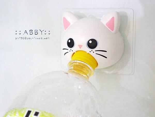小女人的貼心好物,秒開瓶寶特瓶!再也不怕打不開,讓手痛的要命.... Arnest可愛貓咪頭開瓶器 ❤1 (1).jpg