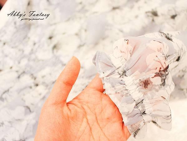 Abby欸比│穿搭│渡假模式啟動  innspo日常。不平常  小資女質感推薦  一字領粉嫩花朵雪紡洋裝 %26; 渡假風圖騰連身短褲 (6).jpg