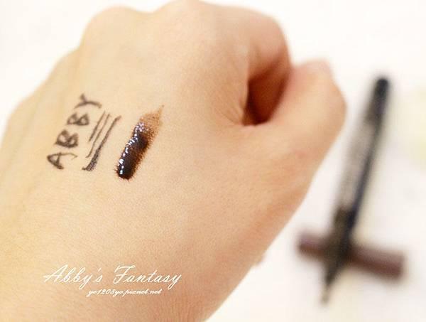 │Solone新品分享│持久定型水眉釉+愛麗絲魔法眼線液筆+愛麗絲異想追逐魅惑眼影 (4).jpg