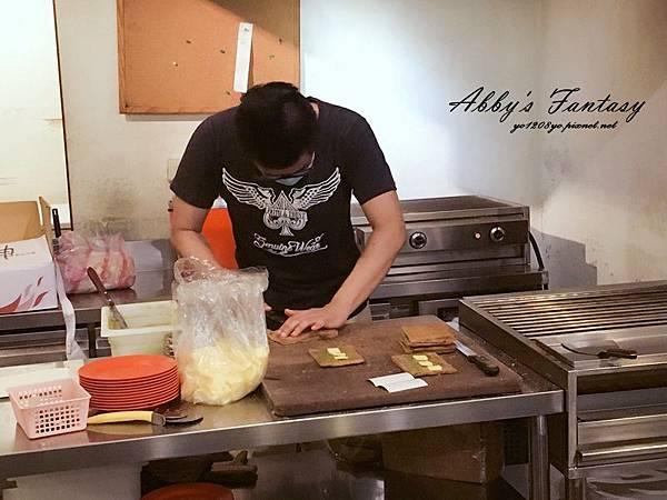 超好吃的新加坡亞坤早餐 →亞坤咖椰吐司Ya Kun Kaya Toast 新加坡必吃美食 (8).jpg