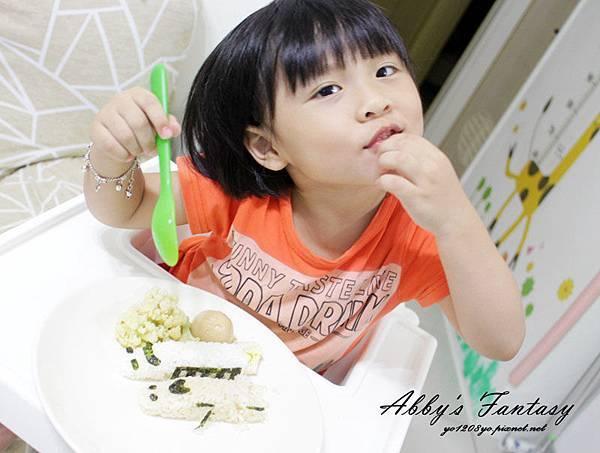 五分鐘完成可愛日本電車飯糰套餐,提升小孩食慾的好方法 ❤ Arnest創意料理小物電車飯糰模型套組 (1).jpg