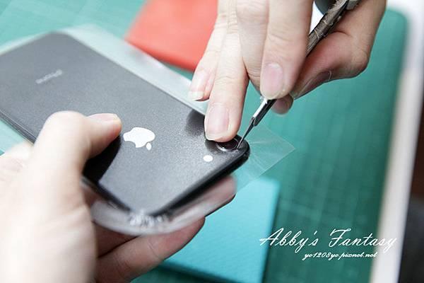 iPhone 8 開箱第一件事情就是包膜啦!完全貼合曲面玻璃保護貼技術太威拉!By 小豪包膜逢甲店 (6).jpg