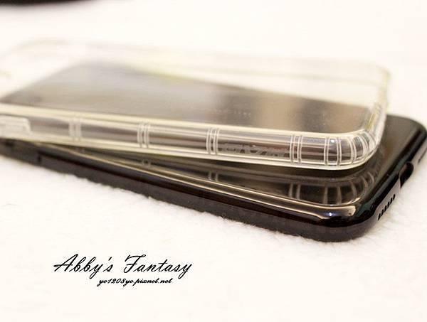 iPhone 8 開箱第一件事情就是包膜啦!完全貼合曲面玻璃保護貼技術太威拉!By 小豪包膜逢甲店 (2).jpg