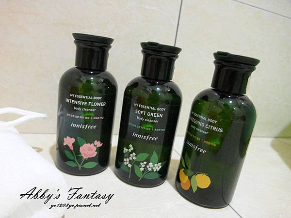 innisfree我的小綠瓶沐浴系列好喜歡~ 柑橘(清爽)、松木(保濕)、花樣(滋潤) 超貼膚面膜升級版  (8).jpg