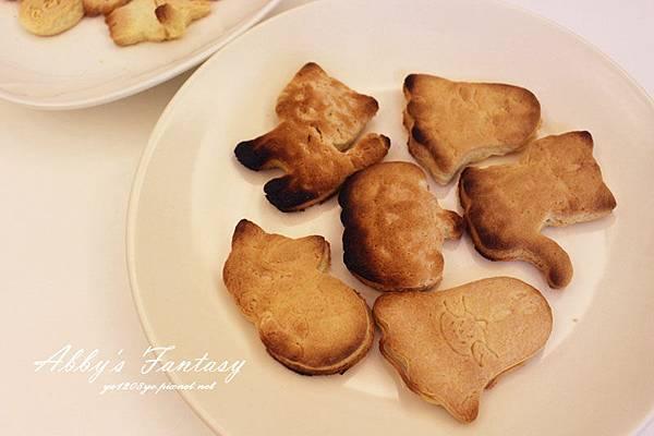 Q版萬聖節餅乾食譜做法分享~ 好用的Arnest創意料理小物 可愛貓咪熊貓杯緣子模型  (3).jpg