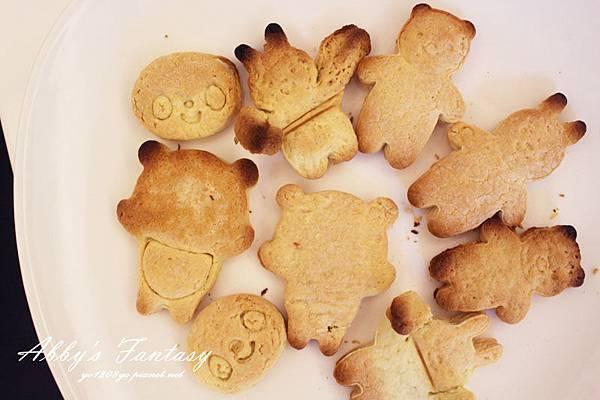 Q版萬聖節餅乾食譜做法分享~ 好用的Arnest創意料理小物 可愛貓咪熊貓杯緣子模型  (2).jpg