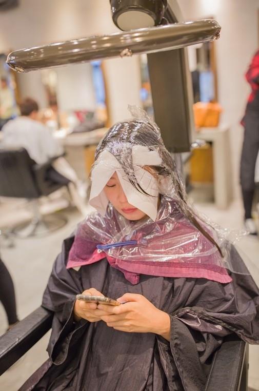 台北中山【ZUC Collection】洗+剪+燙+護,使用多款沙龍級髮品及專業活髮塑型燙,維持髮質彈性,創造蓬鬆感!絲蛋白水潤護髮採歐洲原裝進口萊肯洗潤髮品,幫你擁有舒適宜人的髮香!台北中山髮廊/活髮塑型燙/燙髮護髮/ZUC Collection (10).jpg