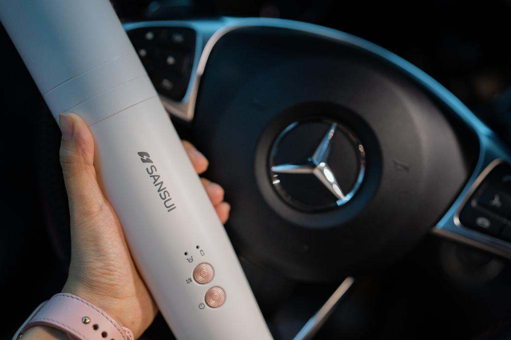 居家車用清潔好幫手!520g超輕量!無線手持吸塵器~25min續航力!SANSUI 山水 輕淨吸迷你無線吸塵器SVC-DD128.jpg