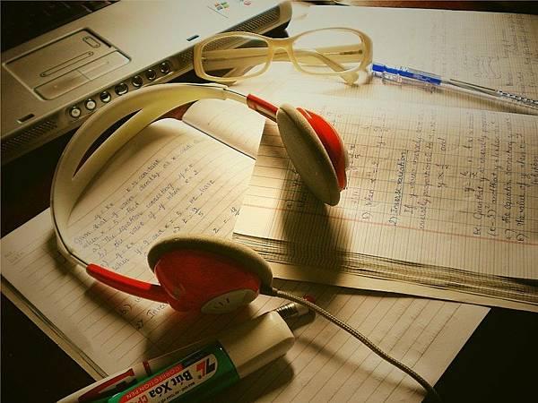 study_moody-8615