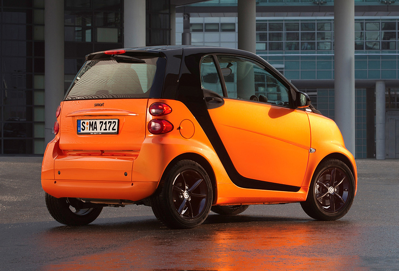 smart fortwo night orange 限量特仕車將掀起一股『鮮橙』風潮。.jpg