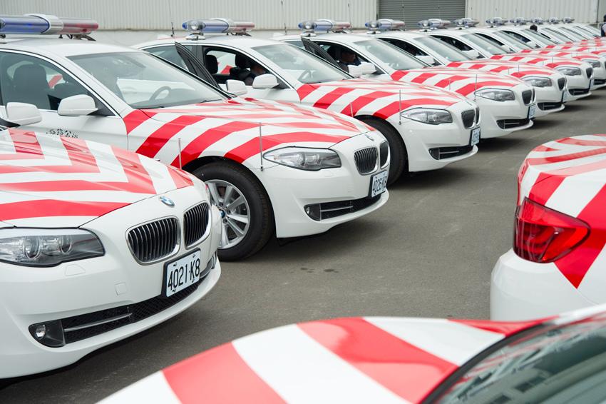BMW總代理汎德公司與內政部警政署盛大舉行 國道公路警察局100年巡邏車交車典禮_02.jpg
