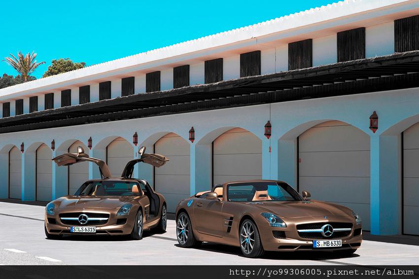 兩台夢幻超跑SLS-AMG-Coupe與SLS-AMG-Roadster合影.jpg