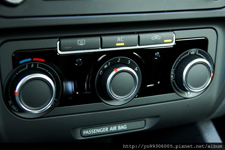 Volkswagen Jetta  2 (5)