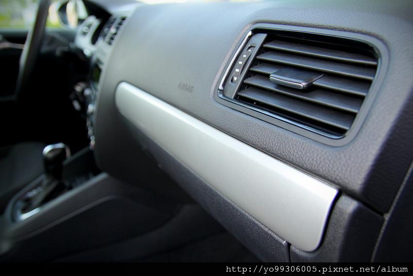 Volkswagen Jetta  2 (6)