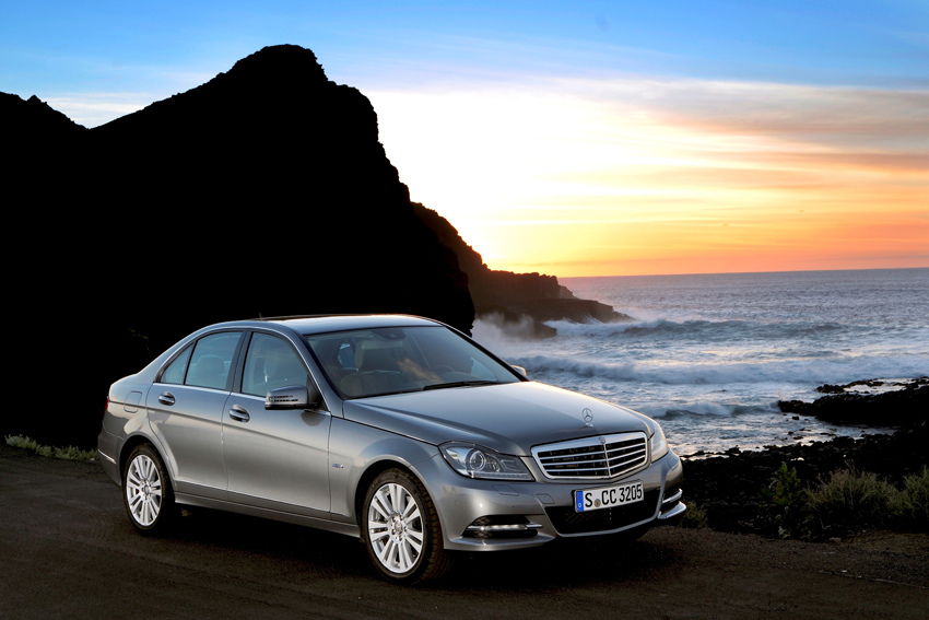 Mercedes-Benz C-Class 稱霸進口中型豪華車銷售冠軍,趁勝追擊,首推「零利率優惠專案」