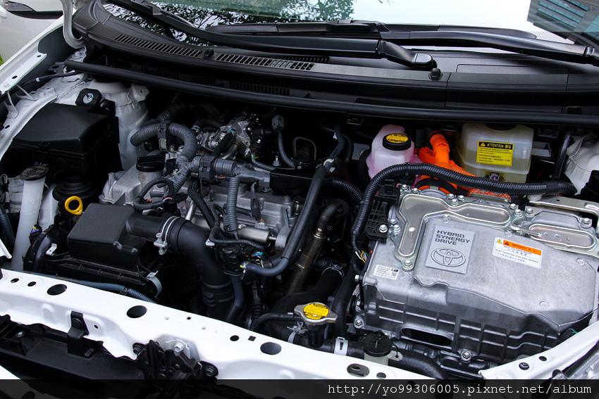 Fiesta Prius C (4)