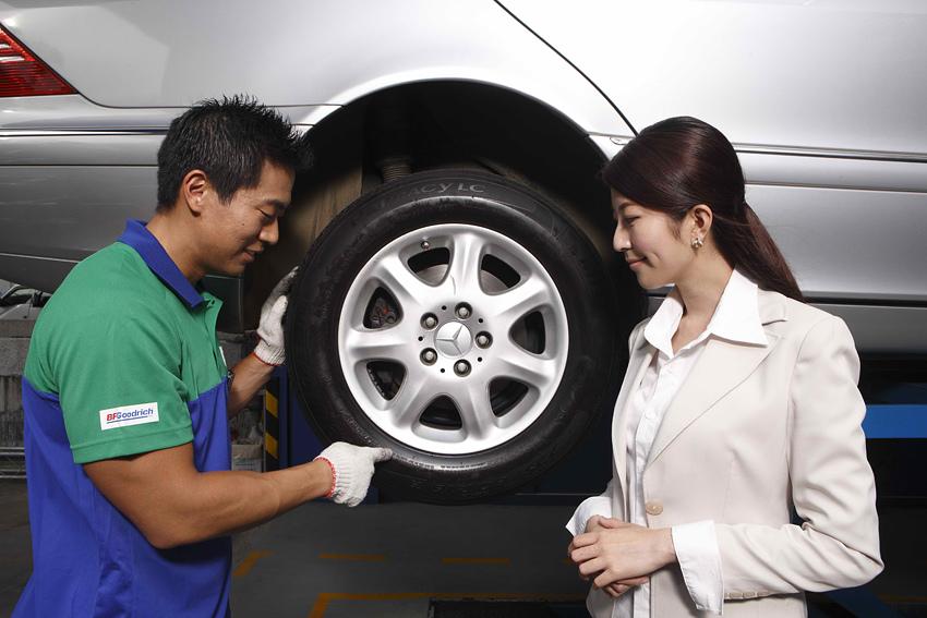 新聞圖片:深入了解輪胎標示符號對於消費者是十分重要的,因為藉由判讀這些攸關輪胎身世背景與基本規格的重要知識,才能為愛車選購正確的輪胎產品。